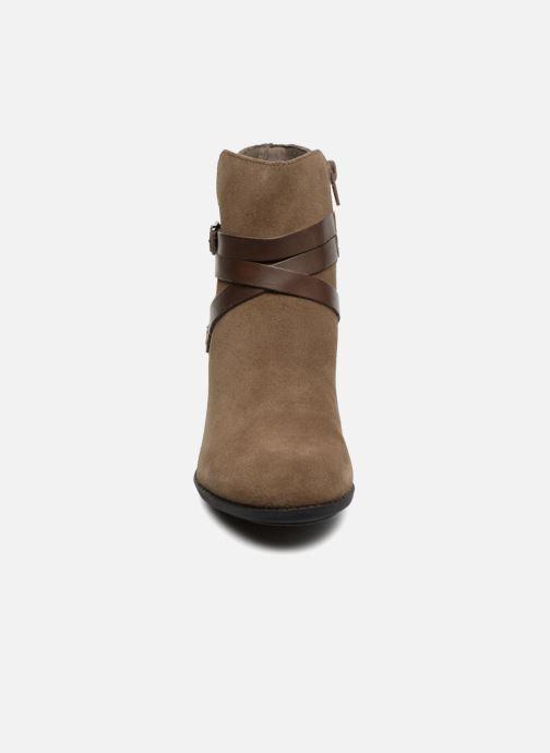 Bottines et boots Clarks Enfield Coco Marron vue portées chaussures