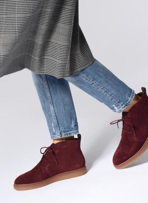 Bottines et boots Clarks Dove Roxana Bordeaux vue bas / vue portée sac