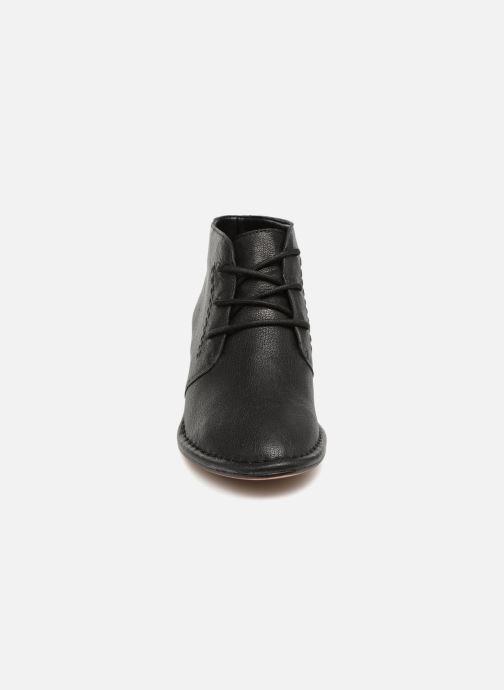 Bottines et boots Clarks Spiced Charm Noir vue portées chaussures