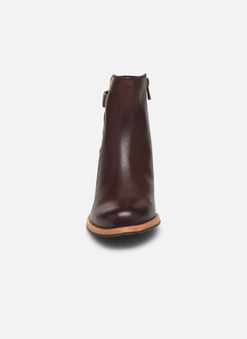 Bottines et boots Clarks Clarkdale Jax Bordeaux vue portées chaussures
