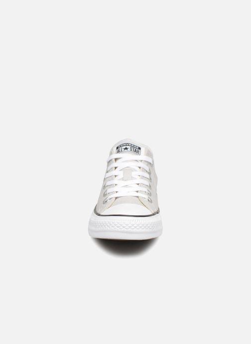 Sneakers Converse Chuck Taylor Ox W Grigio modello indossato