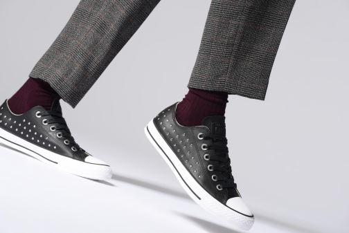 Trainers Converse Chuck Taylor Ox W Grey view from underneath / model view