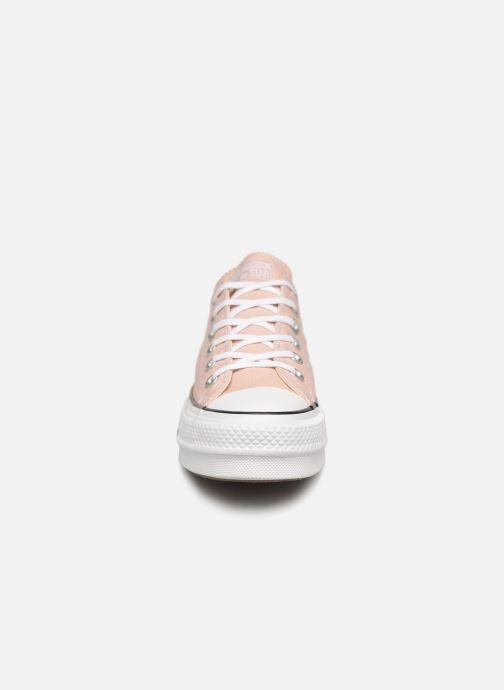 Baskets Converse Chuck Taylor Lift Ox Beige vue portées chaussures