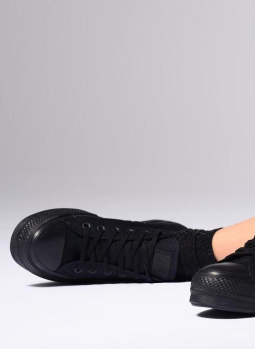 Sneaker Converse Chuck Taylor Clean Lift Ox weinrot ansicht von unten / tasche getragen