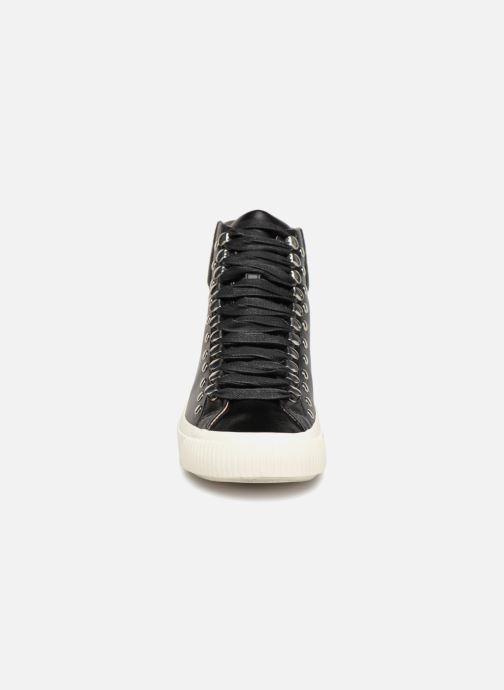Baskets Diesel Mustave Noir vue portées chaussures