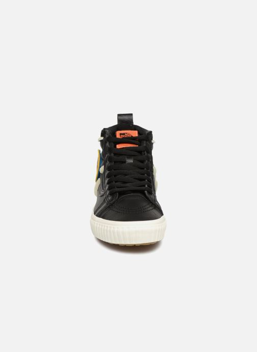 Sneakers Vans SK8-Hi 46 MTE DX Nero modello indossato