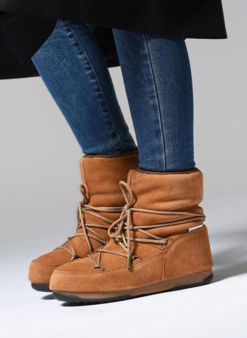 Chaussures de sport Moon Boot Moon Boot Low Suede Wp Marron vue bas / vue portée sac