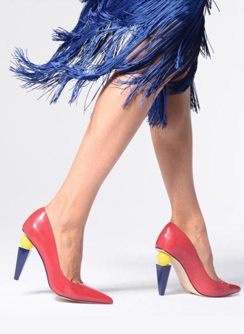 Escarpins Katy Perry The Memphis Rouge vue bas / vue portée sac