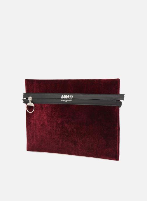 Sacs pochettes MM6 Martin Margiela S41UM0012 Bordeaux vue portées chaussures