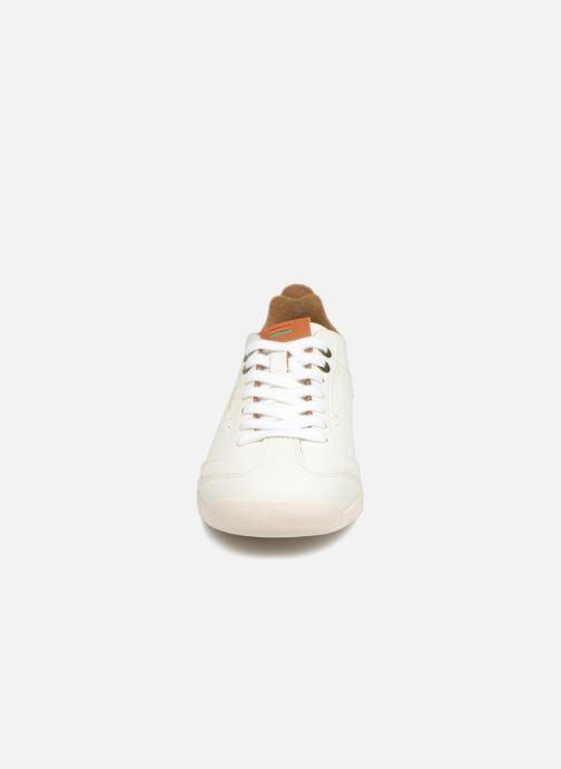 Sneakers Kickers KICK 18 WN Bianco modello indossato