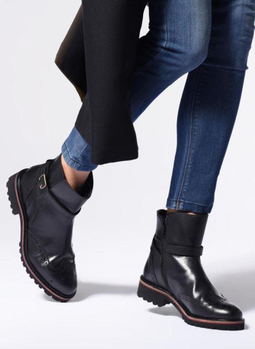 Stiefeletten & Boots Kickers RHUM schwarz ansicht von unten / tasche getragen