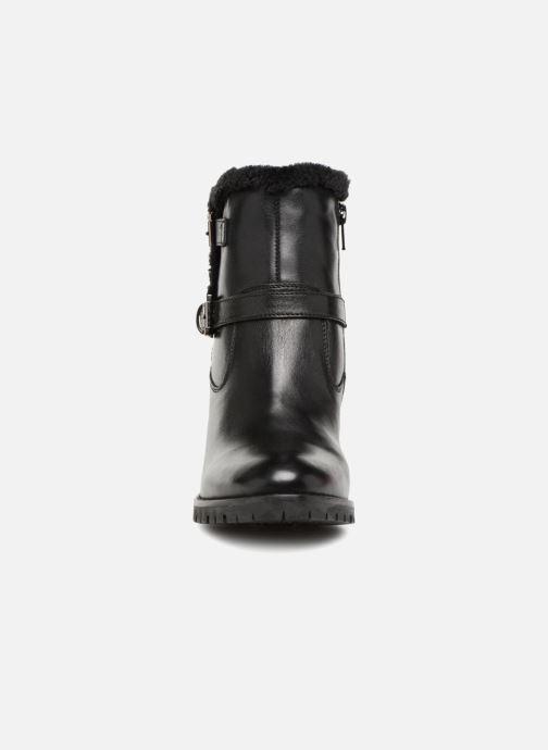 Ankelstøvler Kickers SKYLLIE Sort se skoene på