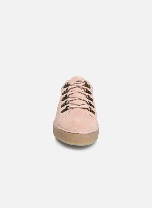 Scarpe con lacci Kickers SPRITE Rosa modello indossato