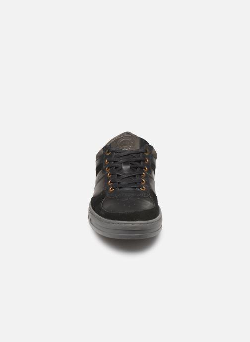 Baskets Kickers APON Noir vue portées chaussures