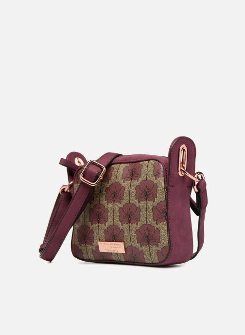 Bolsos de mano Tamaris Fiorella Crossbody Bag Vino vista del modelo
