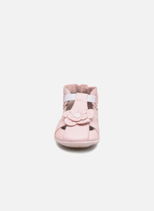 Chaussons Robeez PRETTY MINI Rose vue portées chaussures