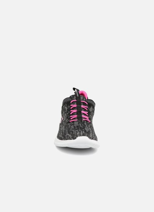 Chaussures de sport Skechers Ultra Flex Bright Horizon E Noir vue portées chaussures