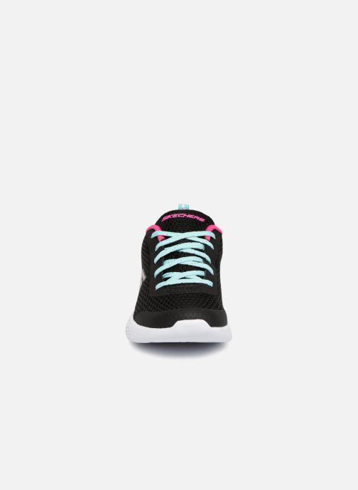 Chaussures de sport Skechers Go Run 600 Fun Run Noir vue portées chaussures