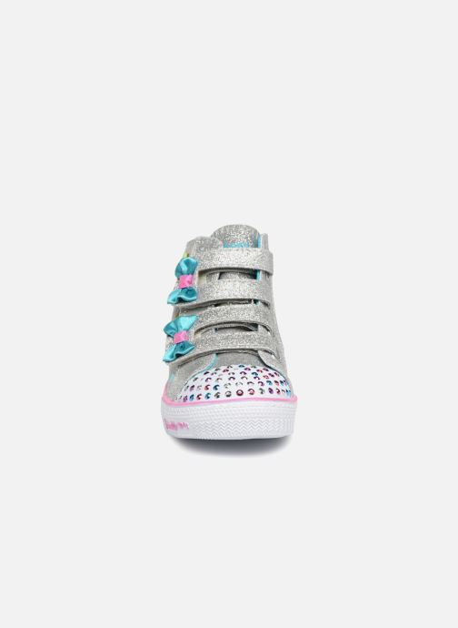 Sneakers Skechers Suffles Lite Fancy Flutters Argento modello indossato