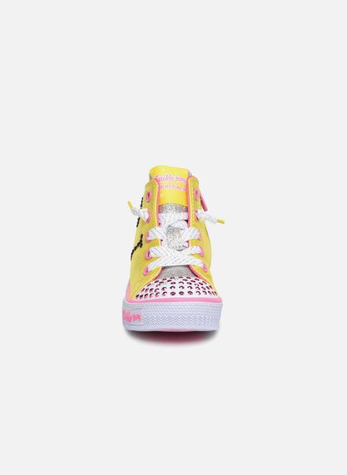 Baskets Skechers Shuffles Smile Jaune vue portées chaussures