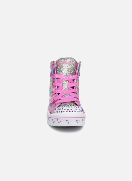 Deportivas Skechers Twi-Lites Princess Party Rosa vista del modelo