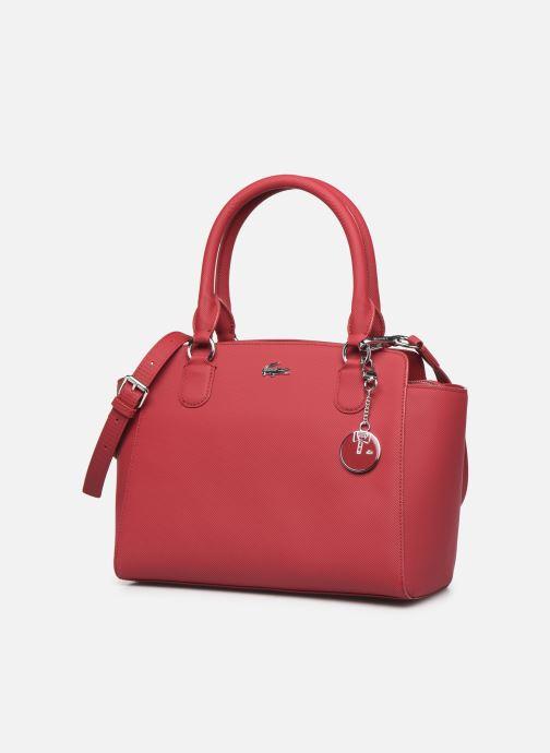 Sacs à main Lacoste DAILY CLASSIC Bag Bordeaux vue portées chaussures