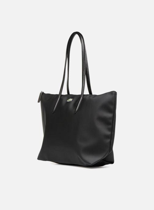 Sacs à main Lacoste L.12.12 Concept L Shopping Bag Noir vue portées chaussures