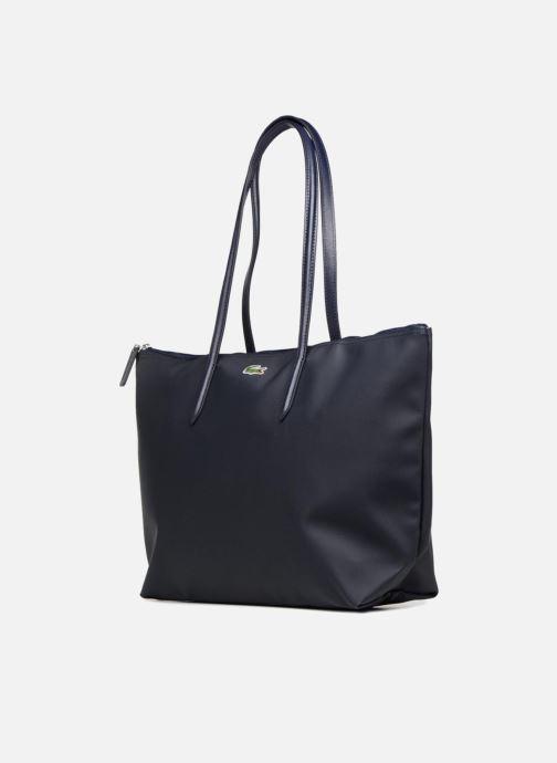 Sacs à main Lacoste L.12.12 Concept L Shopping Bag Bleu vue portées chaussures