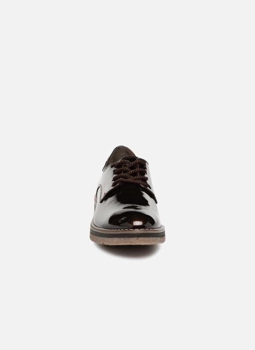 Scarpe con lacci Tamaris RITA Marrone modello indossato