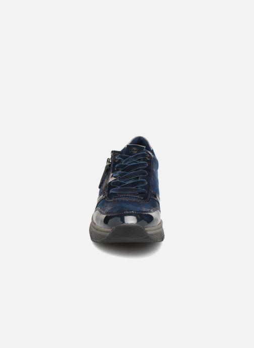 Sneakers Tamaris VARE Azzurro modello indossato