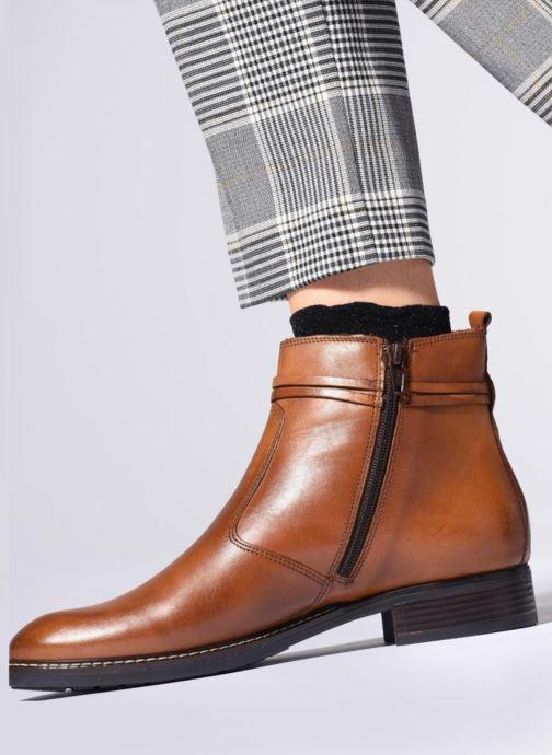 Bottines et boots Tamaris ZOZ Marron vue bas / vue portée sac