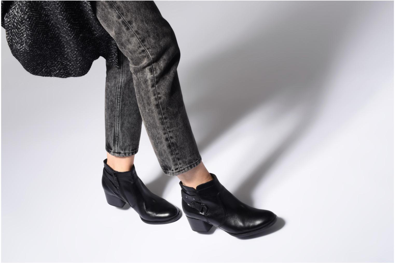 Bottines et boots Tamaris MARA Noir vue bas / vue portée sac