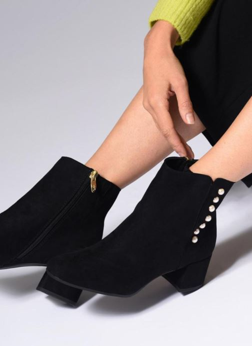 Ankle boots Tamaris BAHIA Black view from underneath / model view