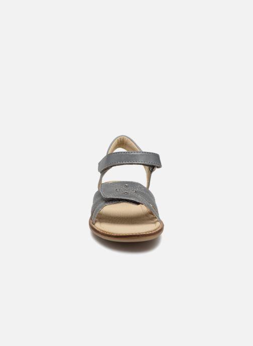 Sandales et nu-pieds Noël SIRI Gris vue portées chaussures