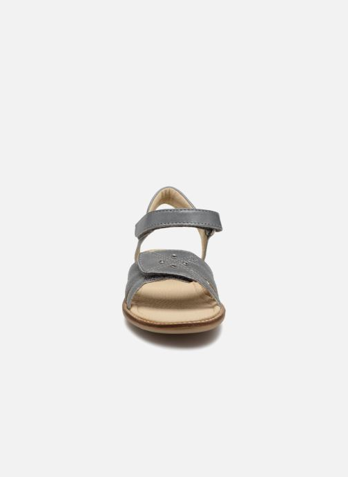 Sandalen Noël SIRI grau schuhe getragen