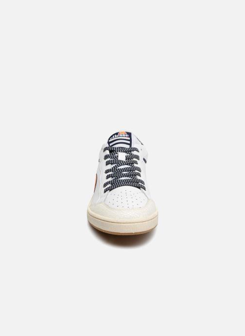 Sneaker Ellesse EL82435 weiß schuhe getragen
