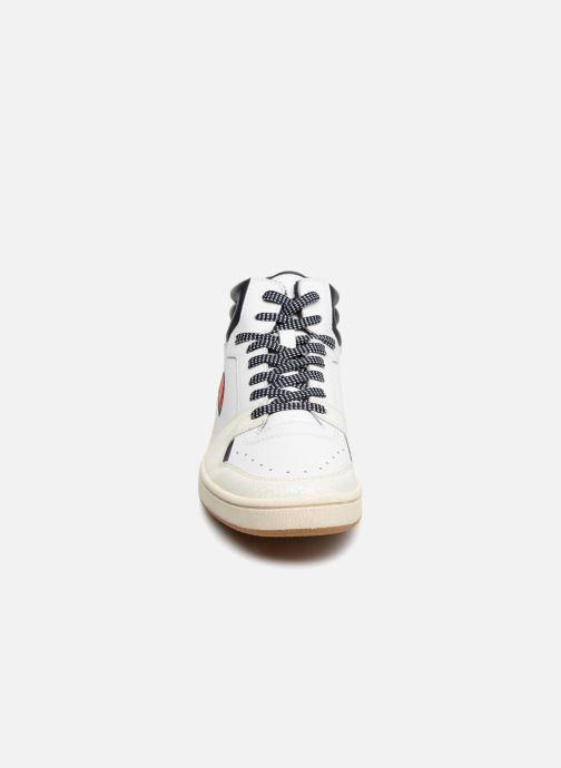 Baskets Ellesse EL82436 Blanc vue portées chaussures