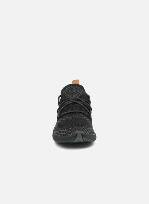 Sneakers Timberland FlyRoam Go Knit Oxford Nero modello indossato