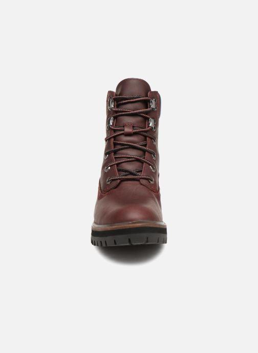 Stivaletti e tronchetti Timberland London Square 6in Boot Bordò modello indossato