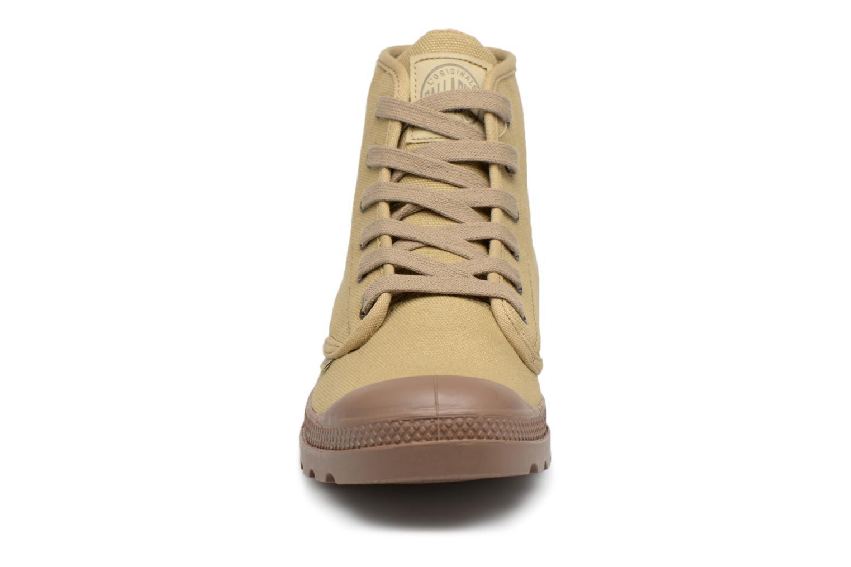 Baskets Palladium US PAMPA HIGH H Beige vue portées chaussures