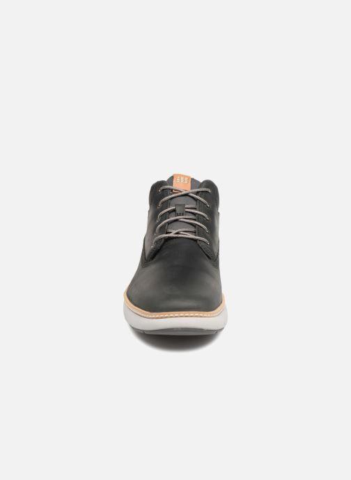 Sneakers Timberland Cross Mark PT Chukka Nero modello indossato