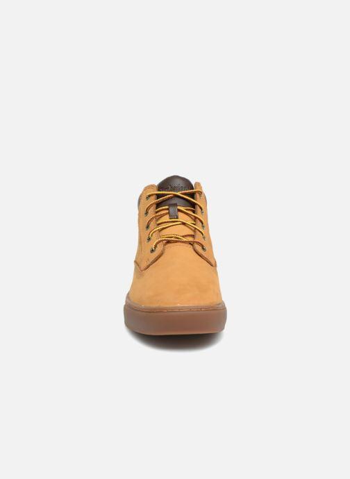 Sneakers Timberland Dauset Chukka Marrone modello indossato