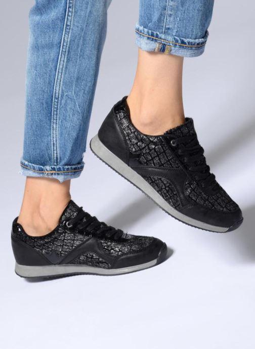 Sneaker Divine Factory Aram 2 Noir schwarz ansicht von unten / tasche getragen