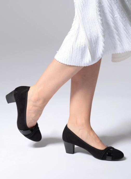 High heels Jana shoes KAILIE Black view from underneath / model view