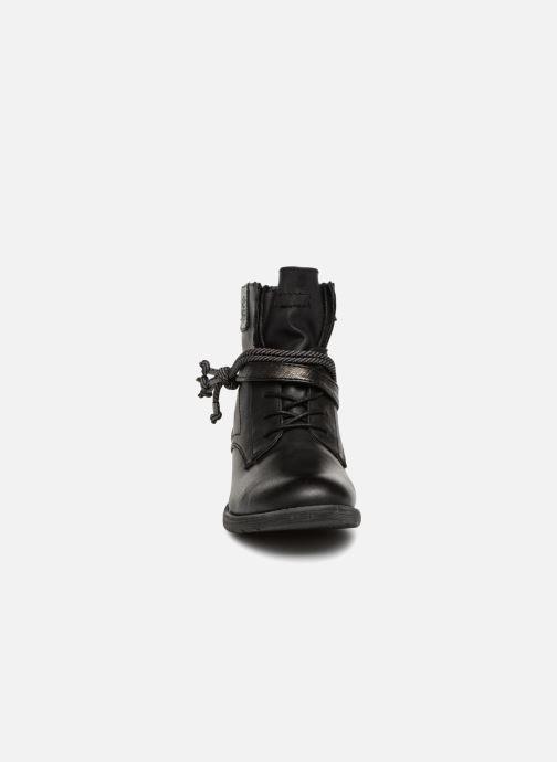 Stivaletti e tronchetti Jana shoes GWEN Nero modello indossato