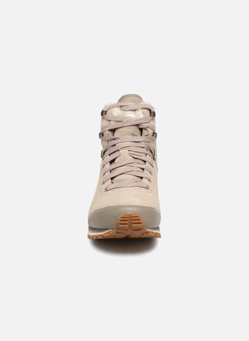 Zapatillas de deporte HAGLOFS Grevbo Proof Eco Women Beige vista del modelo