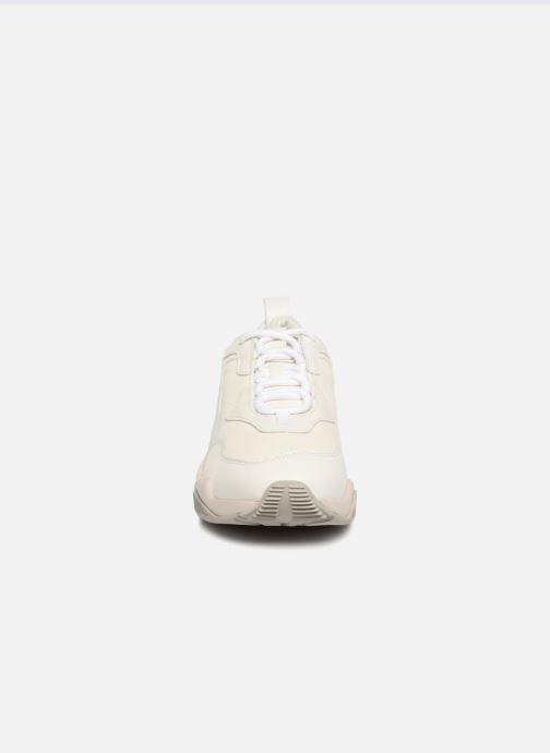 Baskets Puma Thunder Desert Blanc vue portées chaussures