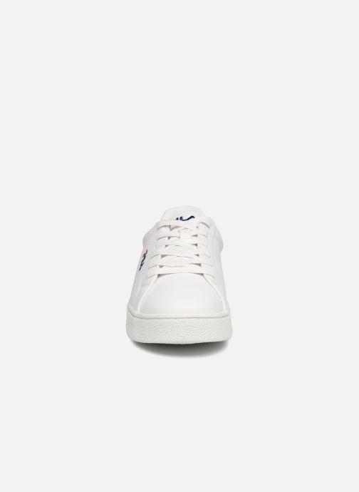 Baskets FILA Upstage Low W Blanc vue portées chaussures