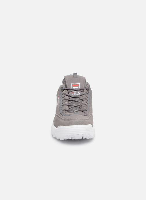 Sneakers FILA Disruptor S Low Grigio modello indossato