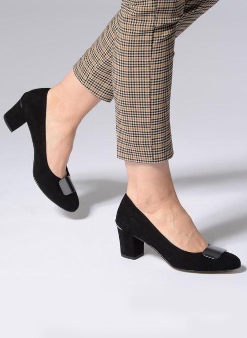 High heels Perlato 10917 Black view from underneath / model view